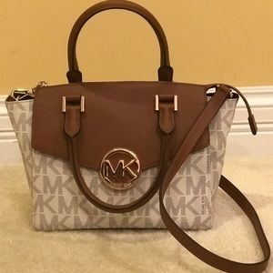 Authentic MK crossbody/purse